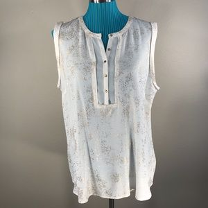 NWT Lila Rose sleeveless 5 rose gold button top